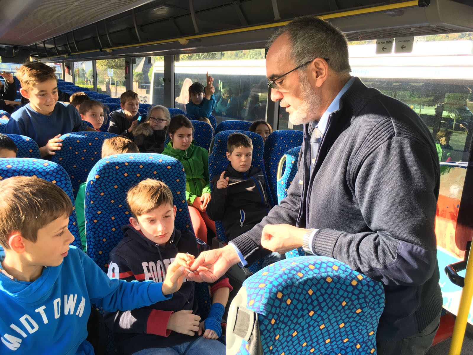 2016_10_05_001_fsr_busschule