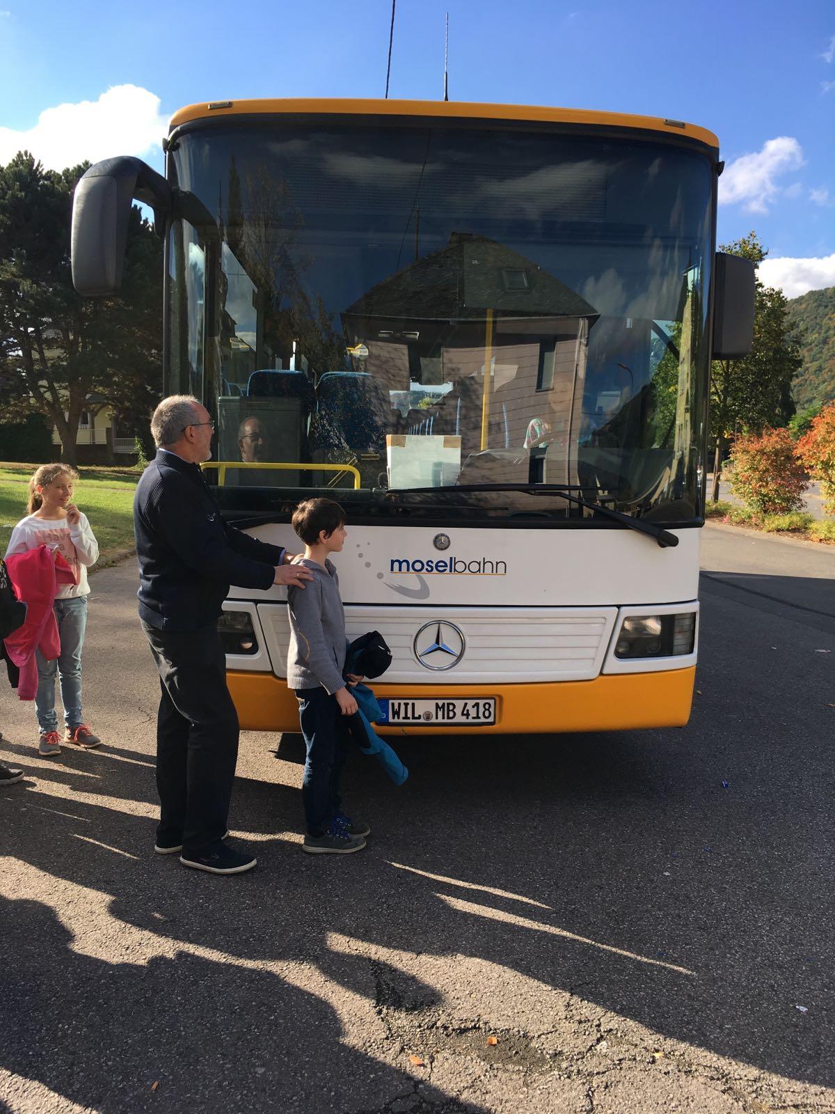 2016_10_05_002_fsr_busschule